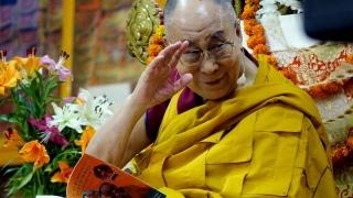 Mii de oameni la templul lui Dalai Lama, în India!