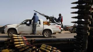 Marea Britanie ar putea trimite efective militare în Libia