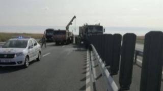 Trei militari dintr-un convoi NATO, răniţi într-un accident