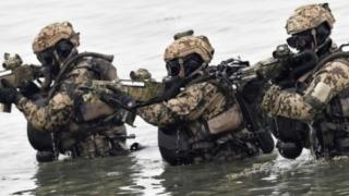 Zeci de scafandri militari din cinci țări se instruiesc la Constanța