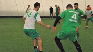 Urmăritoarele liderului au obţinut victorii în Liga 1 a Campionatului Judeţean de minifotbal