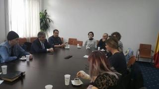 """Ministrul Sănătății, față în față cu tinerii răniți în incendiul de la """"Colectiv"""""""