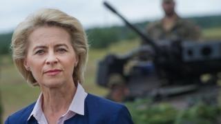 Ministrul german al Apărării, împotriva introducerii serviciului militar obligatoriu
