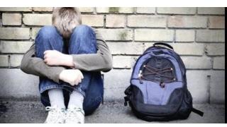 Minori abuzați sexual într-un centru de plasament. Cinci persoane, reținute