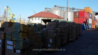 Mobilă contrafăcută, în Portul Constanţa Sud Agigea