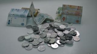 Leul s-a apreciat marți în raport cu principalele valute