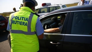 Polițiștii monitorizează autostrăzile și drumurile dinspre stațiunile turistice către Capitală