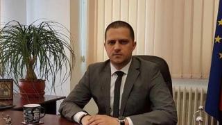 Senatul a respins moţiunea simplă a Opoziţiei împotriva ministrului Turismului