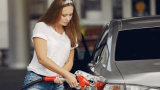 Motorina s-a ieftinit și costă acum mai puțin decât benzina