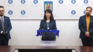 Violeta Alexandru anunţă cum se dau banii pentru contractele suspendate. Angajatorii care au posibilitatea să suplimenteze sumele acoperite de stat o pot face / Condiţii pentru PFA şi firme