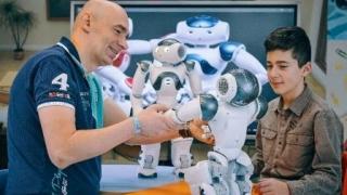 Robotul NAO - terapeut pentru copiii cu autism