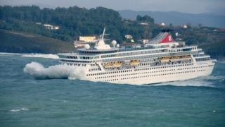 O infecţie intestinală răspândită la bordul unui vas de croazieră a afectat sute de persoane