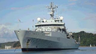 Marea Neagră: Navă militară britanică, aproape de coliziune cu un vas rusesc