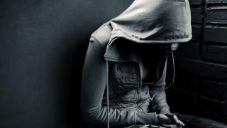 Neatenția părinților îi împinge pe adolescenți la suicid!