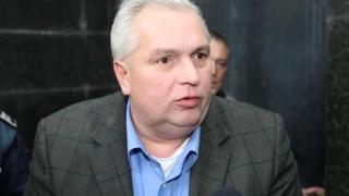 Opt ani de închisoare cu executare pentru Nicuşor Constantinescu!