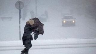 Posibile ninsori abundente şi episoade de ger. În Dobrogea, mai cald