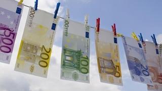 Noi bancnote euro! Vezi ce intră pe piaţă şi ce dispare