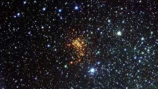 Același nor de materie primordială poate forma sistemele multistelare