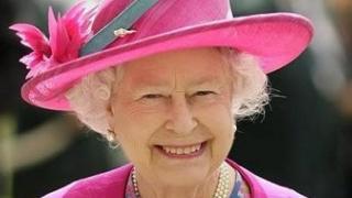 Ceremonii omagiale! Regina Marii Britanii împlinește 92 de ani!