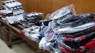 Nu ne mai îmbrăcăm cu fake-uri! Haine de peste 7.000 lei, confiscate de vameşii constănţeni!