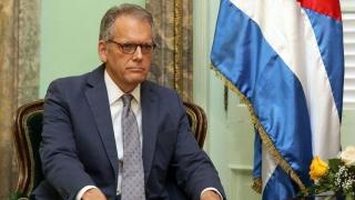Obama numeşte un ambasador în Cuba după 55 de ani! Scandal în Congres?
