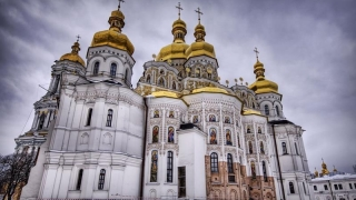 O bijuterie arhitecturală religioasă din Ucraina, atacată cu Molotov-uri!