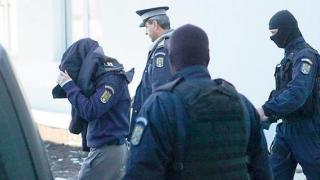 Ofiţer de la Criminalitatea Economică, suspectat de luare de mită