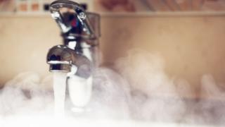 Opoziția se bagă în scandalul apei calde! Ce soluţie au peneliştii