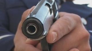 Șofer recalcitrant, oprit cu focuri de armă de polițiștii constănțeni