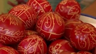 Joia Mare, ziua în care se vopsesc ouăle, iar copiii se ung cu negreală pe față