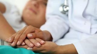 Pacientul oncologic din România mai are un singur drept: DREPTUL SĂ MOARĂ!