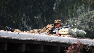 Pakistan: soldaţi vs terorişti – 16 morţi