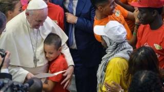 Papa Francisc propune reducerea migrației prin investiții în țările lor de origine