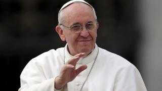"""Papa Francisc: """"Vacarmul celor puţini şi foarte bogaţi"""" face imposibil de auzit """"plânsul celor săraci"""""""