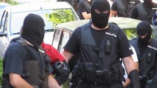 Parlamentar român, bătut de mascaţi în Chişinău