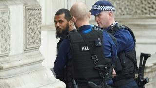 Patru britanici, suspectați de terorism