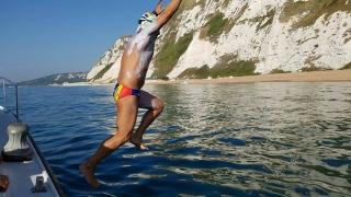 Paul Georgescu, românul care a traversat Canalul Mânecii într-un timp record, a revenit în țară