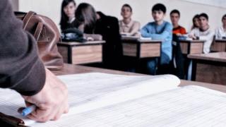 Burse obligatorii pentru elevi pentru creșterea competitivității?!