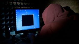 Percheziții la bănuiți de infracțiuni informatice. Prejudiciul - 500.000 de euro