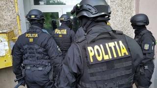 Percheziții de amploare într-un dosar de furt produse de lux din Aeroportul Otopeni. Prejudiciu estimat – 800.000 de euro