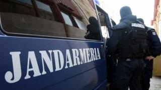 Captură, descinderi și  persoane reţinute de jandarmi într-un cunoscut mall