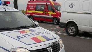 Cel puţin doi morţi în urma impactului dintre un autoturism şi un microbuz