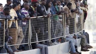 Peste 140 de migranți la bord, salvaţi din largul Ciprului