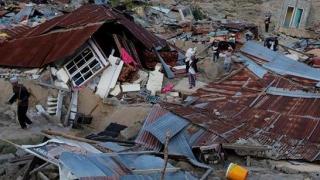 Peste 1,6 milioane de oameni, afectaţi de cutremur şi tsunami în Indonezia