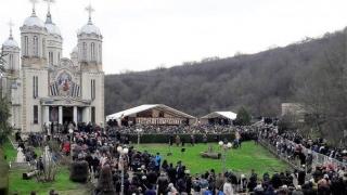 Peste 200 de jandarmi asigură ordinea publică la hramul Mănăstirii Sf. Ap. Andrei