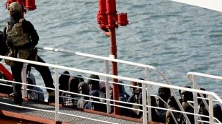 Petrolierul deturnat de migranţi a ajuns în Malta