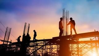 Statul dă cu barosul într-un sector șubred al construcțiilor