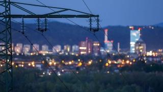 """Concurența """"curentează"""" piața de electricitate"""