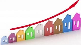 Indicii fiscali-bancari latră, caravana imobiliară trece