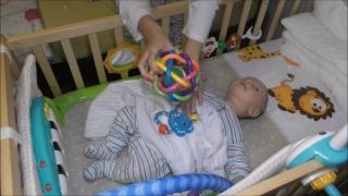"""""""Ping-pong"""" între mamă și tată cu un bebeluș de trei luni"""